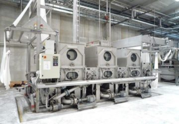 Open width washing tanks with Padders